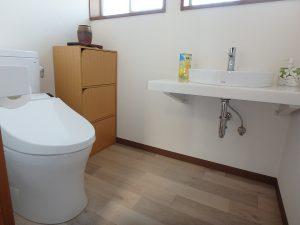 千葉県南房総市白浜町滝口の不動産、海が見える別荘・保養所、海一望、2階のトイレは広め