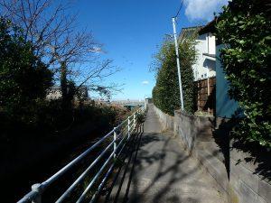 千葉県館山市北条の不動産、海の近く、海が見える土地、おどや近く、海の方へお散歩です