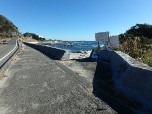 千葉県鴨川市天面の不動産、海が見える家、海前、別荘、海に下りるスロープがある