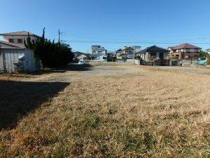 千葉県館山市八幡の不動産、土地、住宅用地、大きな家に広い庭 ♪