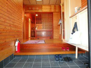 千葉県南房総市白浜町滝口の不動産、海が見える別荘・保養所、海一望、室内は意外や和風テイスト