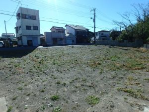 千葉県館山市北条の不動産、海の近く、海が見える土地、おどや近く、登記簿上は約90坪です