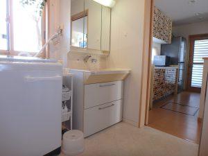 千葉県館山市湊の不動産、中古住宅、戸建て、移住、キッチン隣接の洗面水回り