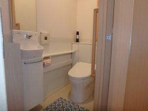 千葉県館山市湊の不動産、中古住宅、戸建て、移住、1階トイレは玄関近く