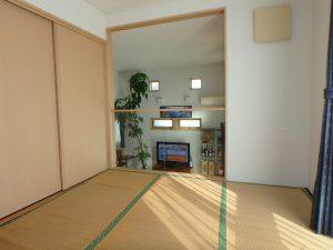 千葉県館山市湊の不動産、中古住宅、戸建て、移住、半階段を上がり畳フロアに