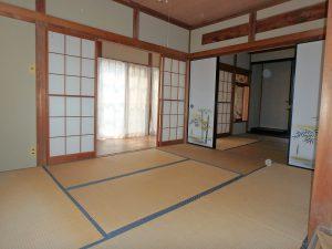 千葉県館山市八幡の不動産、戸建て、移住、陽が入ると明るい部屋です