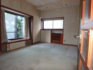 千葉県館山市八幡の不動産、戸建て、移住、玄関を挟み北側洋室へ移動