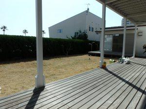 千葉県鴨川市横渚の不動産、前原海岸すぐ前、海一望別荘、高級別荘、外デッキに出てみました