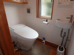 千葉県南房総市和田町白渚の不動産、海一望、海が見える別荘、トイレは玄関側に