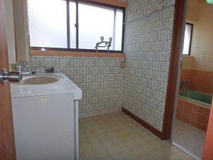 千葉県館山市八幡の不動産、戸建て、移住、続いて洗面水回り