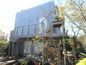 千葉県南房総市和田町白渚の不動産、海一望、海が見える別荘、室内を後にし中庭に