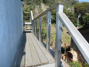 千葉県南房総市和田町白渚の不動産、海一望、海が見える別荘、2階LDK横を通り屋上へ