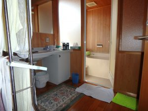 千葉県鴨川市横渚の不動産、前原海岸すぐ前、海一望別荘、高級別荘、次は3階の半露天浴室