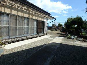 千葉県館山市八幡の不動産、戸建て、移住、凸状の敷地で東側に庭
