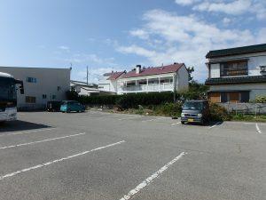 千葉県鴨川市横渚の不動産、前原海岸すぐ前、海一望別荘、高級別荘、市営駐車場側からの見ます
