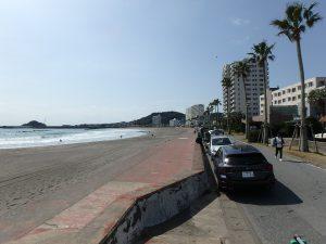 千葉県鴨川市横渚の不動産、前原海岸すぐ前、海一望別荘、高級別荘、海を眺めながら散歩も良し
