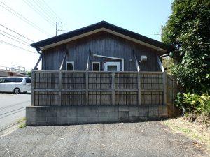 千葉県南房総市和田町白渚の不動産、海一望、海が見える別荘、雰囲気ある木の外観