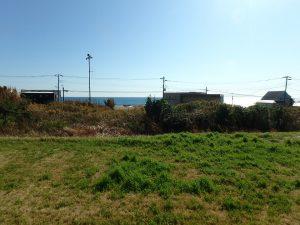 千葉県館山市西川名の不動産、海が見える土地、広い土地、人が立っての目線