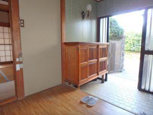 千葉県館山市八幡の不動産、戸建て、移住、玄関のようすです
