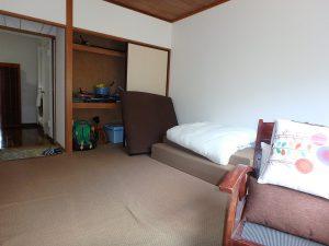 千葉県館山市洲崎ロイヤルマンション、海一望別荘、寝るのはこの部屋かな