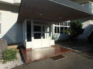 千葉県館山市洲崎ロイヤルマンション、海一望別荘、まずはA棟の共用部から