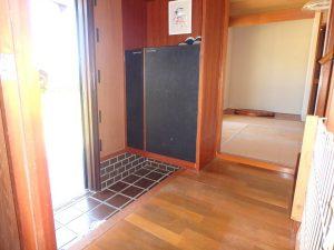 千葉県南房総市千倉町千田の不動産、田舎暮らし、海望む、戸建て、玄関のようすです