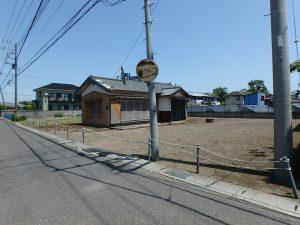 千葉県館山市国分の不動産、土地、別荘用地、道路側から物件全景