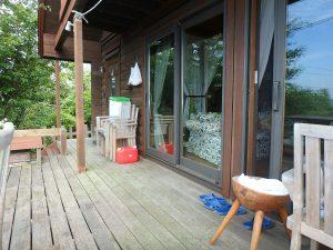 千葉県館山市見物の不動産、ポピーランド、ログハウス、海が見える、リビングとつなげBBQも