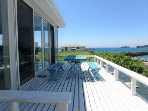 千葉県南房総市高崎の別荘、ハーバーアイランド岩井、海目の前、海風を感じひと休みです