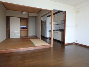 千葉県館山市洲崎のマンション、洲崎ロイヤル、海が見える別荘、8帖リビングと4帖半和室