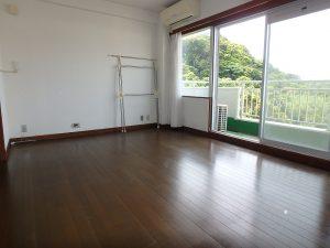 千葉県館山市洲崎のマンション、洲崎ロイヤル、海が見える別荘、海側は全面に窓