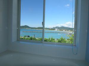 千葉県南房総市高崎の別荘、ハーバーアイランド岩井、海目の前、入浴してても海はある