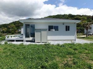 千葉県南房総市高崎の別荘、ハーバーアイランド岩井、海目の前、西側からの外観です