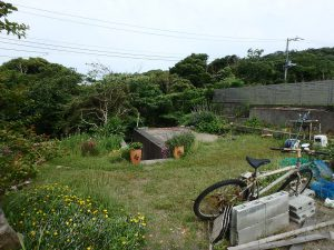 千葉県館山市見物の不動産、ポピーランド、ログハウス、海が見える、菜園なんかも楽しめそう