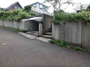 千葉県館山市見物の不動産、ポピーランド、ログハウス、海が見える、RC造のガレージ付き