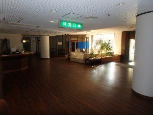 千葉県館山市洲崎のマンション、洲崎ロイヤル、海が見える別荘、玄関エントランスです