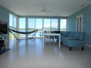千葉県南房総市高崎の別荘、ハーバーアイランド岩井、海目の前、海側は一面窓です