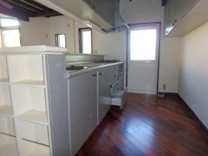 千葉県鴨川市二子の不動産、海が見える別荘、二子棚田、おしゃれ、キッチンは対面式