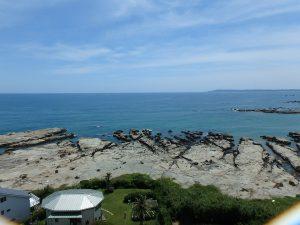 千葉県鴨川市江見青木の不動産、マンション、南鴨川シーハイツ、海望む、部屋から見る海の景色です