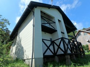 千葉県鴨川市二子の不動産、海が見える別荘、二子棚田、おしゃれ、中々洒落た建物ですね