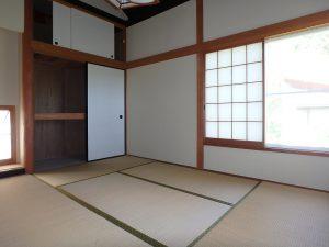 千葉県鴨川市二子の不動産、海が見える別荘、二子棚田、おしゃれ、玄関左手の和室