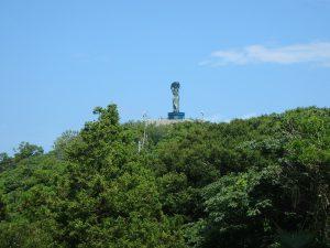 千葉県鴨川市貝渚、一戦場魚見塚の土地、海一望、別荘用地、これシンボルの女神像