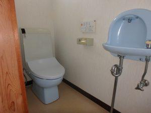 千葉県館山市上真倉の不動産、中古住宅、平家、田舎暮らし、浴室対称面にトイレ