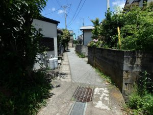 千葉県安房郡鋸南町勝山の不動産、中古住宅、海が近い、釣り別荘、町道を通り海までGO!