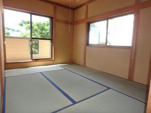 千葉県館山市神余の不動産、山の中の別荘、富士山望む、2階は和室×2部屋
