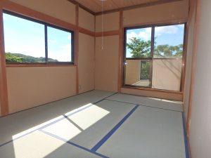 千葉県館山市神余の不動産、山の中の別荘、富士山望む、こちらの部屋は景観良し