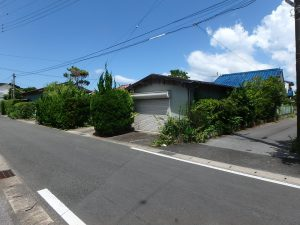 千葉県館山市上真倉の不動産、中古住宅、平家、田舎暮らし、接道幅員は4.5mあります