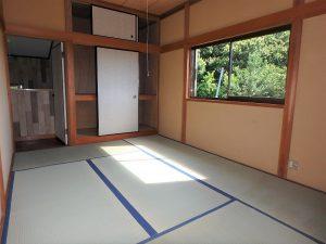 千葉県館山市神余の不動産、山の中の別荘、富士山望む、畳は表替え済みです