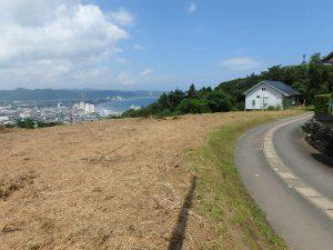 千葉県鴨川市貝渚、一戦場魚見塚の土地、海一望、別荘用地、地勢は2段の平坦地です