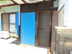 千葉県安房郡鋸南町勝山の不動産、中古住宅、海が近い、釣り別荘、室内へGO!